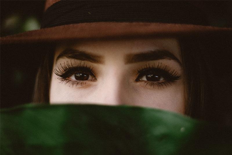 Damit's rund läuft – die perfekte Augenbrauen-Rundung